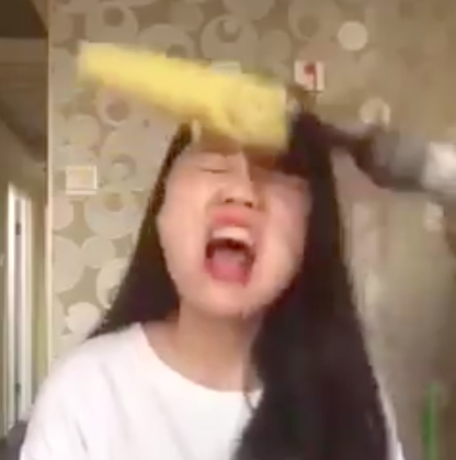 Screen Shot 2016 05 09 at 09.04.57 Woman Tries To Eat Corn From Power Drill, Rips Hair Out