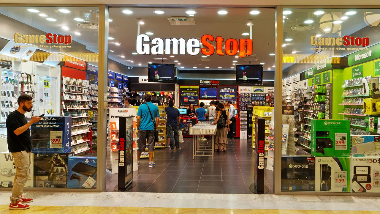 7 Year Old Gamer Confronts Armed Robbers During GameStop Raid gamestop rome shutterstock photo 1920.0.0
