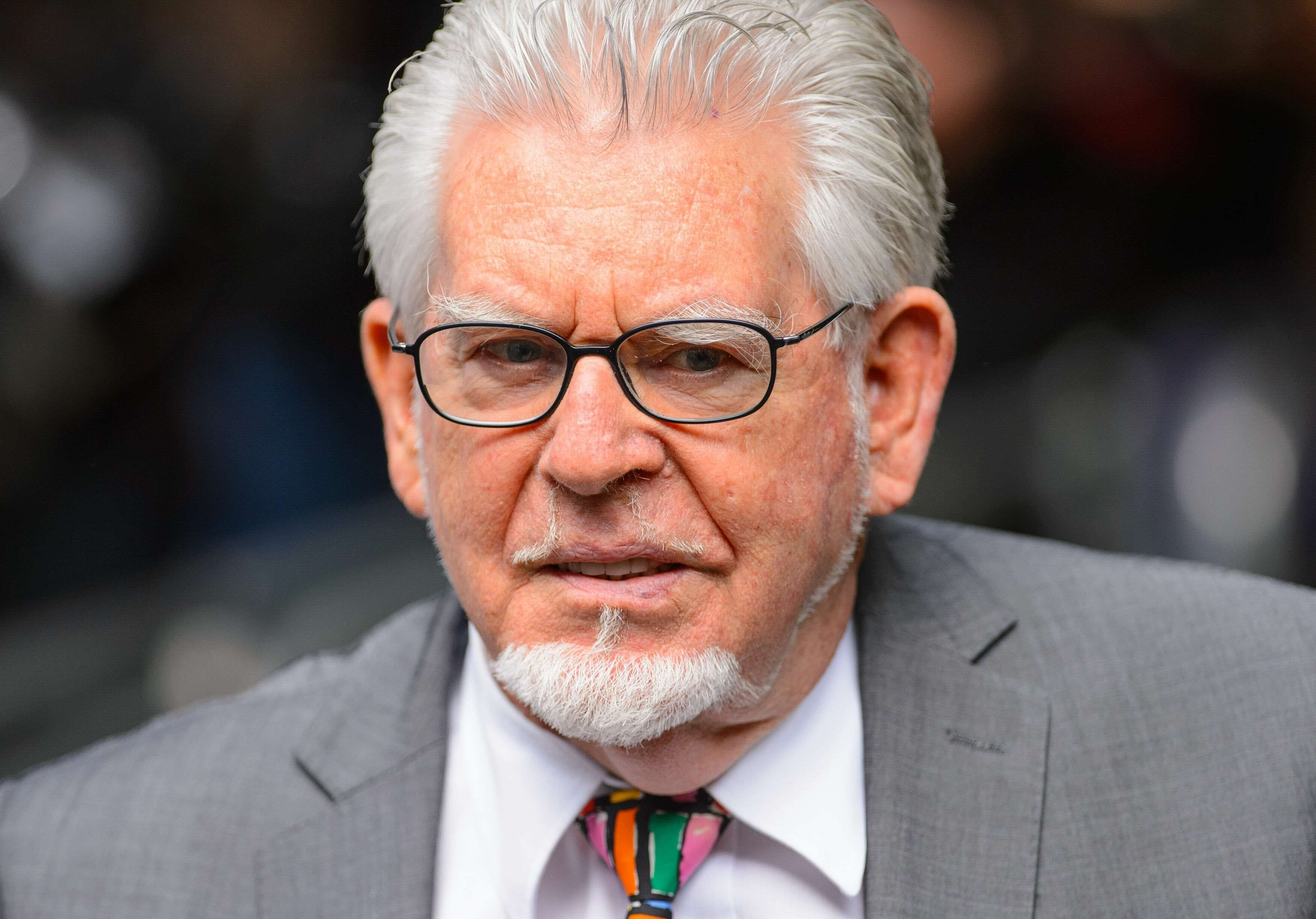 rolfharris1 Rolf Harris Has Been Using Prison Toilet Rolls For Unusual Therapy