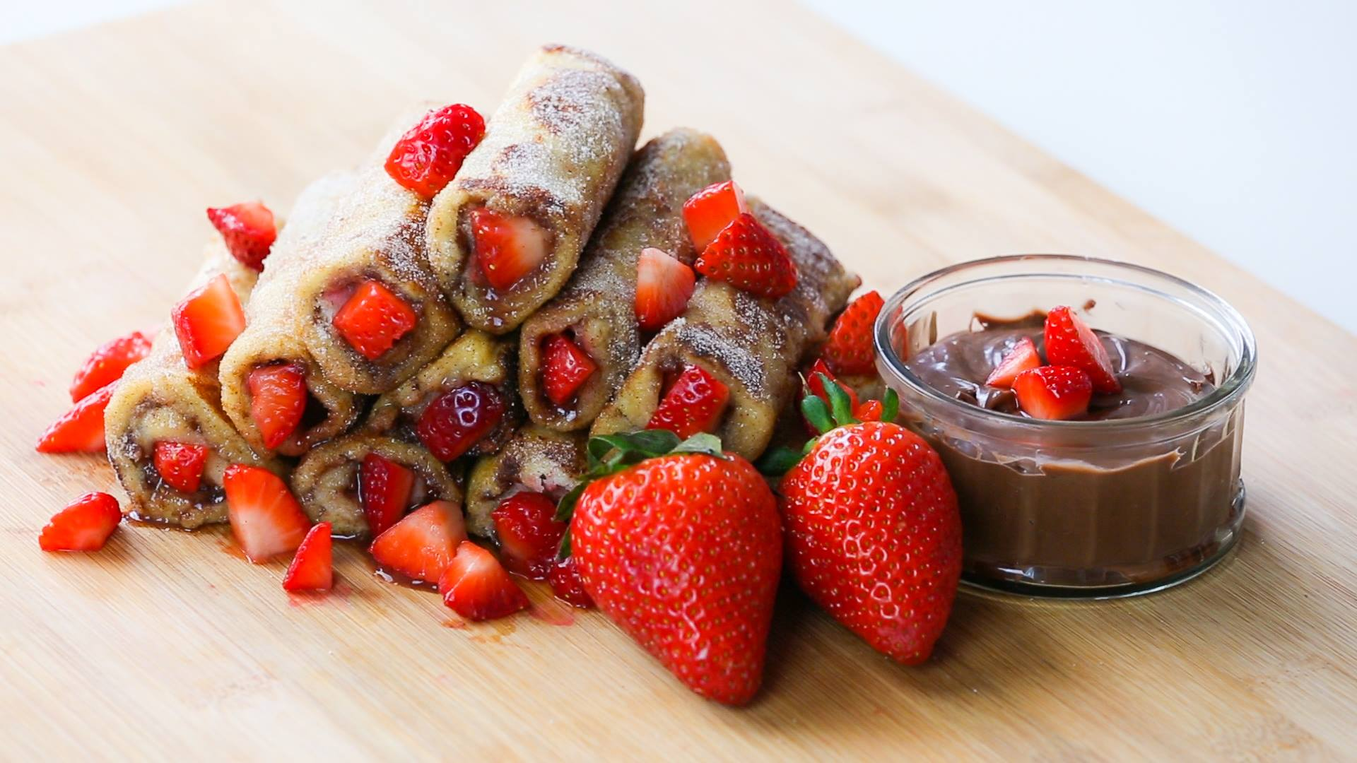 rollsstill1 How To Make Strawberry And Nutella French Toast Roll Ups
