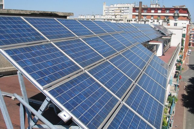 solar panels 894291 960 720 640x426 Germany Manages To Generate So Much Green Energy Customers Made Money