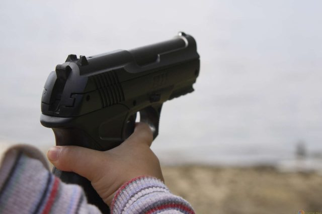 toddler weapon 01 640x426 Little Kids Have Shot More People Than Youd Think This Year