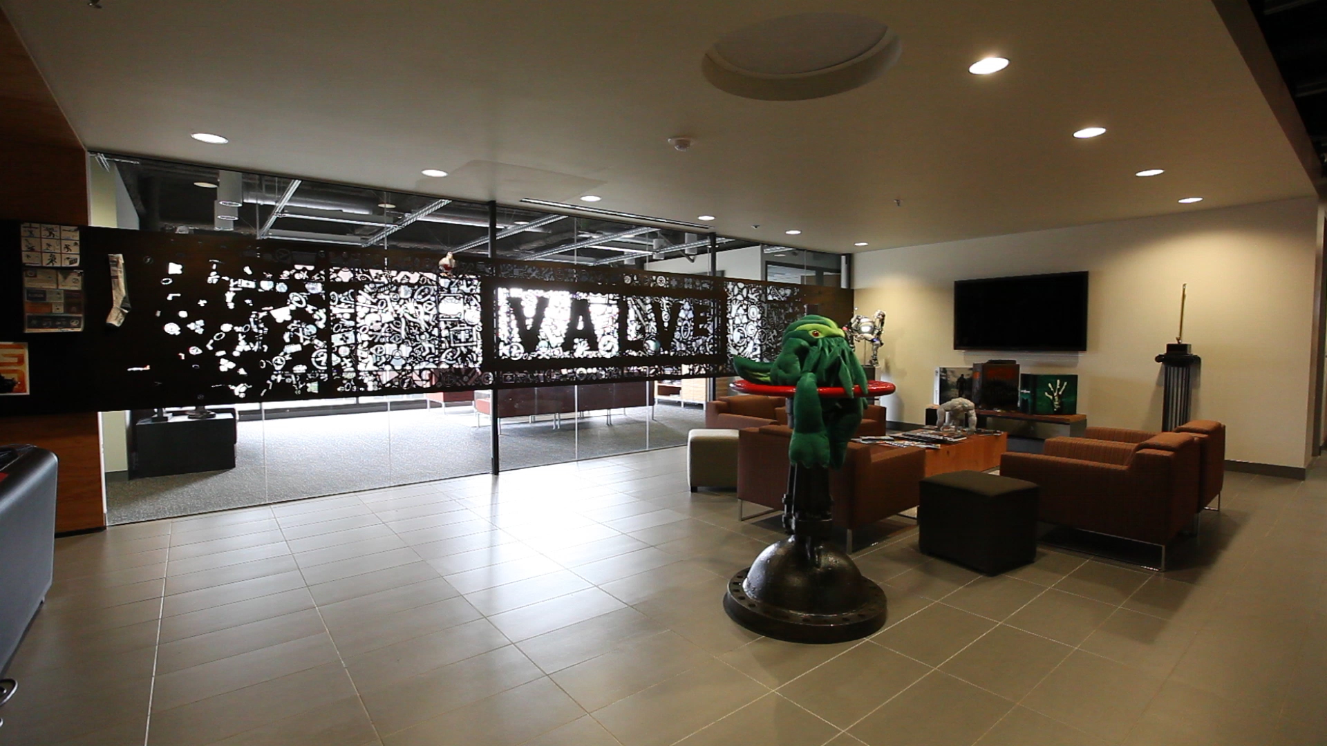 valve office060 Valve Facing Massive Lawsuit From Former Employee