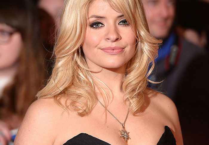 Holly Willoughby Stripped For Cringeworthy S Club 7 TV Show wills1