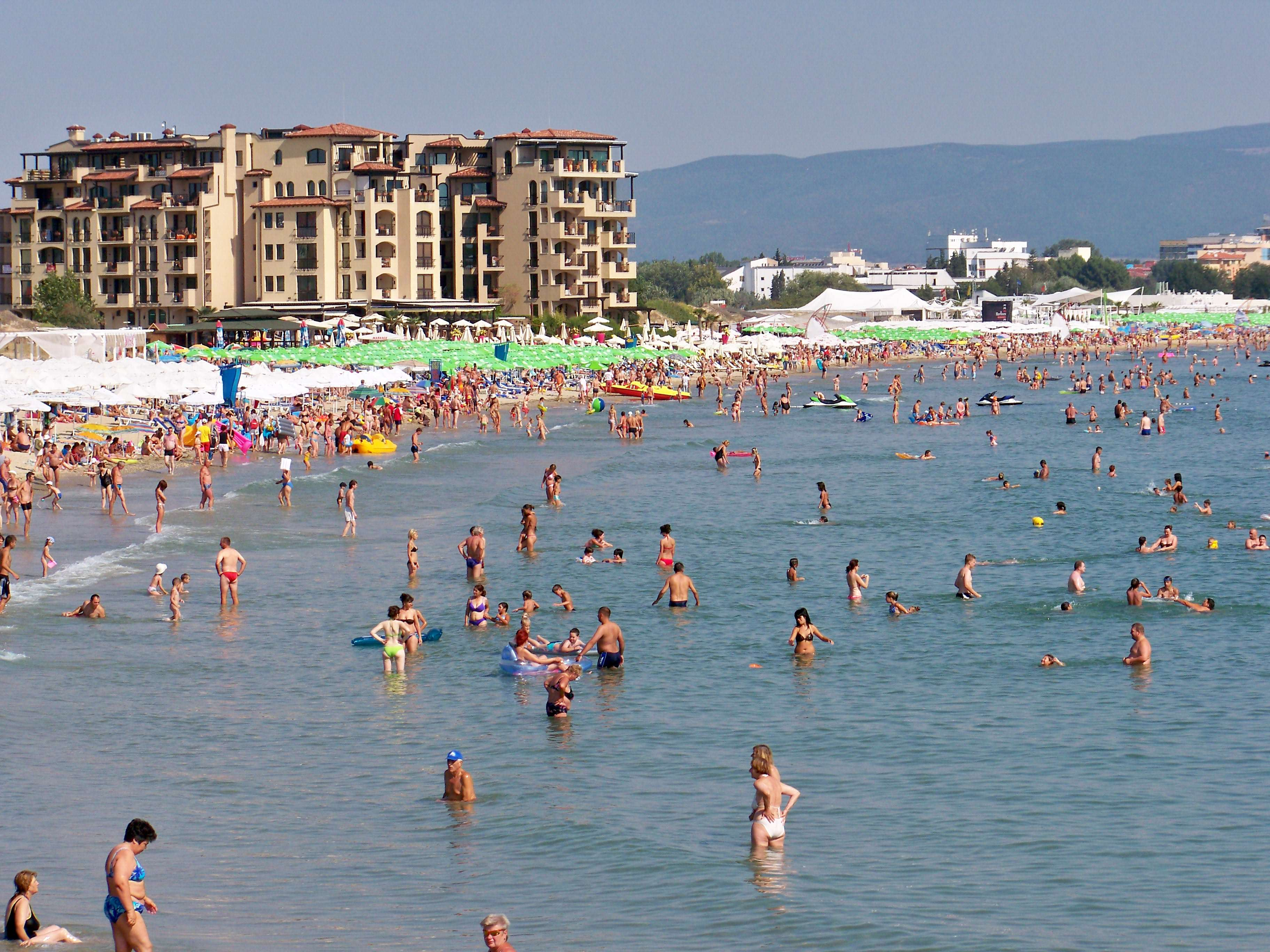 Teens On First Lads Holiday End Up In Middle Of Mafia Gun Battle Bulgaria Sunny Beach 01