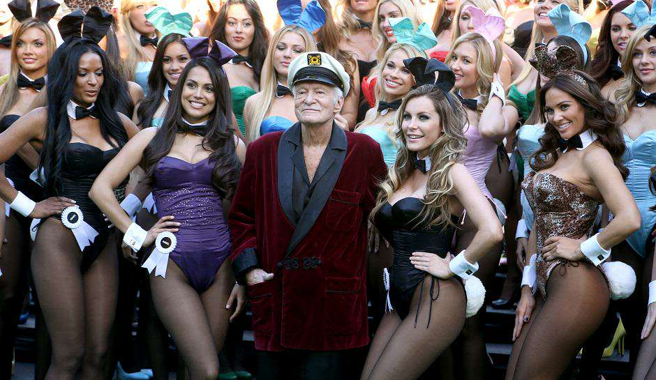 Hugh Hefner and Playboy Bunnies 1 The Playboy Mansion Has Just Been Sold For A Ridiculous Amount