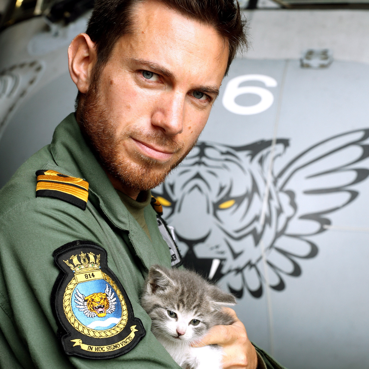 Internet Falls In Love With Pilot Who Saved Kitten After 300 Mile Ordeal SWNS LUCKY KITTEN 02