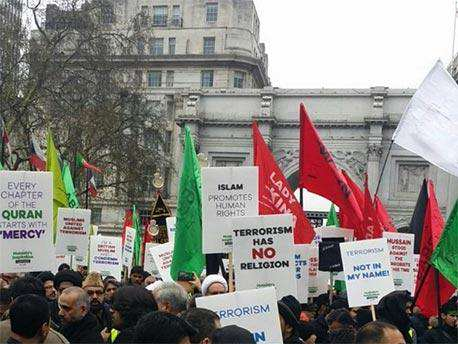 This Is What Happened When Muslim Man Confronted Britain Firsts Leader arbaeen london