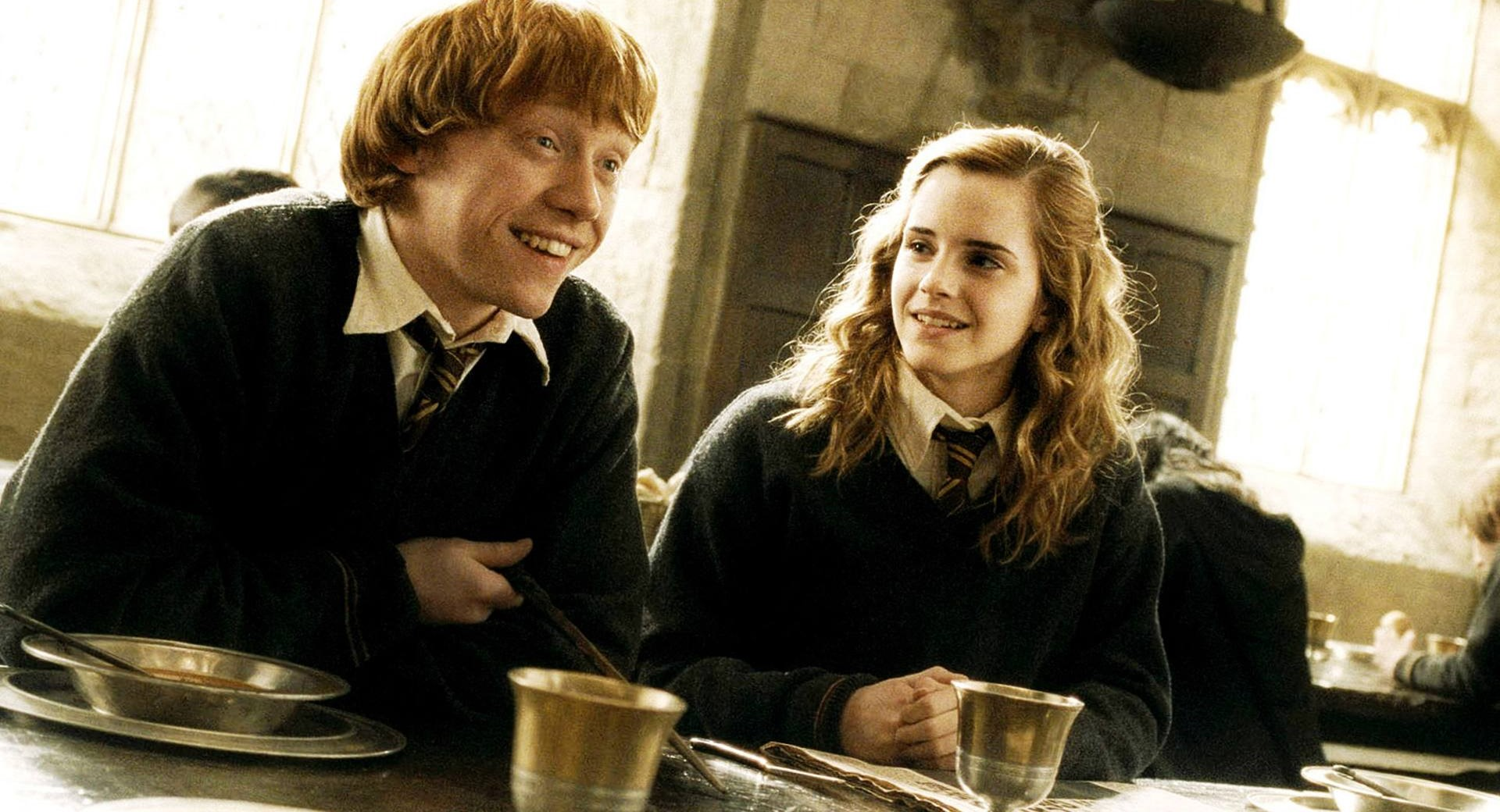 hp 1 Cast Photos Of Ron And Hermione In New Harry Potter Now Revealed