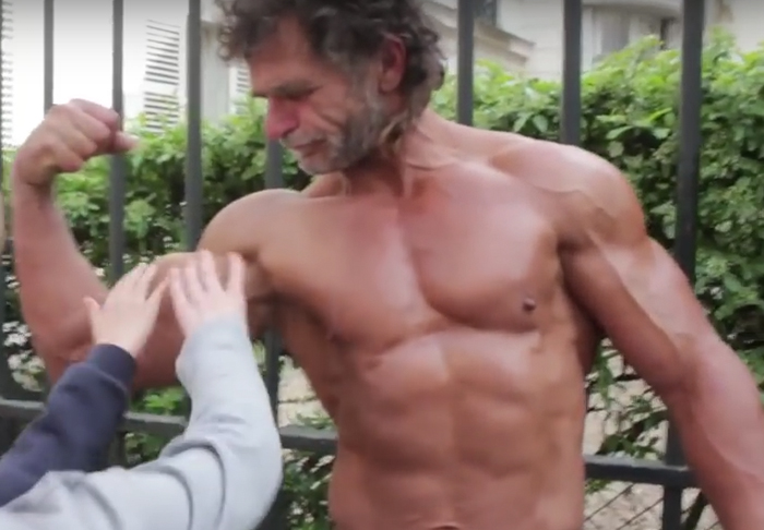 Homeless Bodybuilder Trains Like A Beast With No Weights jacque1