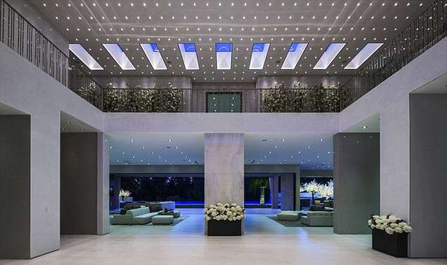 jay z house 3 A Look Inside Beyoncé And Jay Zs Incredible New $93 Million Home