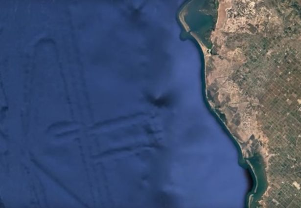 UFO Hunters claim to have spotted 124 KM alien city in California UFO Hunters Discover Huge Alien City At Bottom Of Ocean