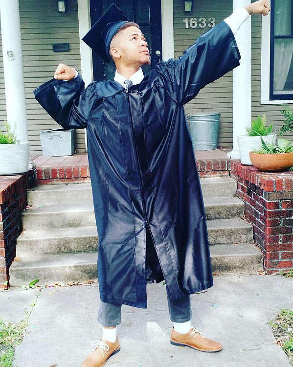 Homeless High School Student Graduates Top Of His Class liyjon1