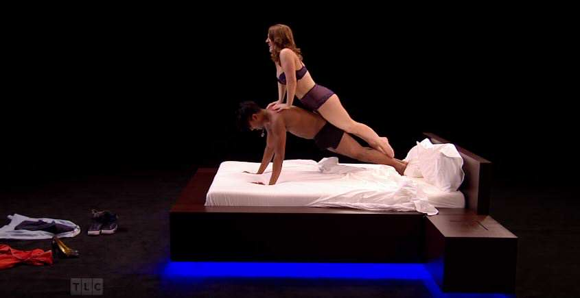 show 3 Strangers Strip Off And Get Into Bed Together In New Dating Show