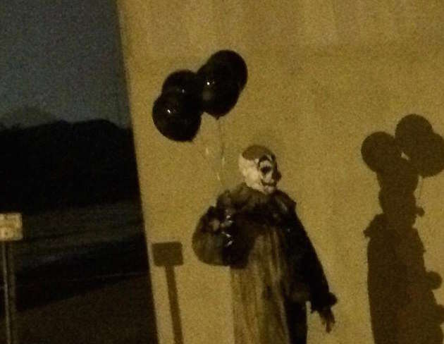 Another Creepy Clown Has Been Spotted Stalking Our Streets 36D0A10200000578 0 image a 111 1470166565895