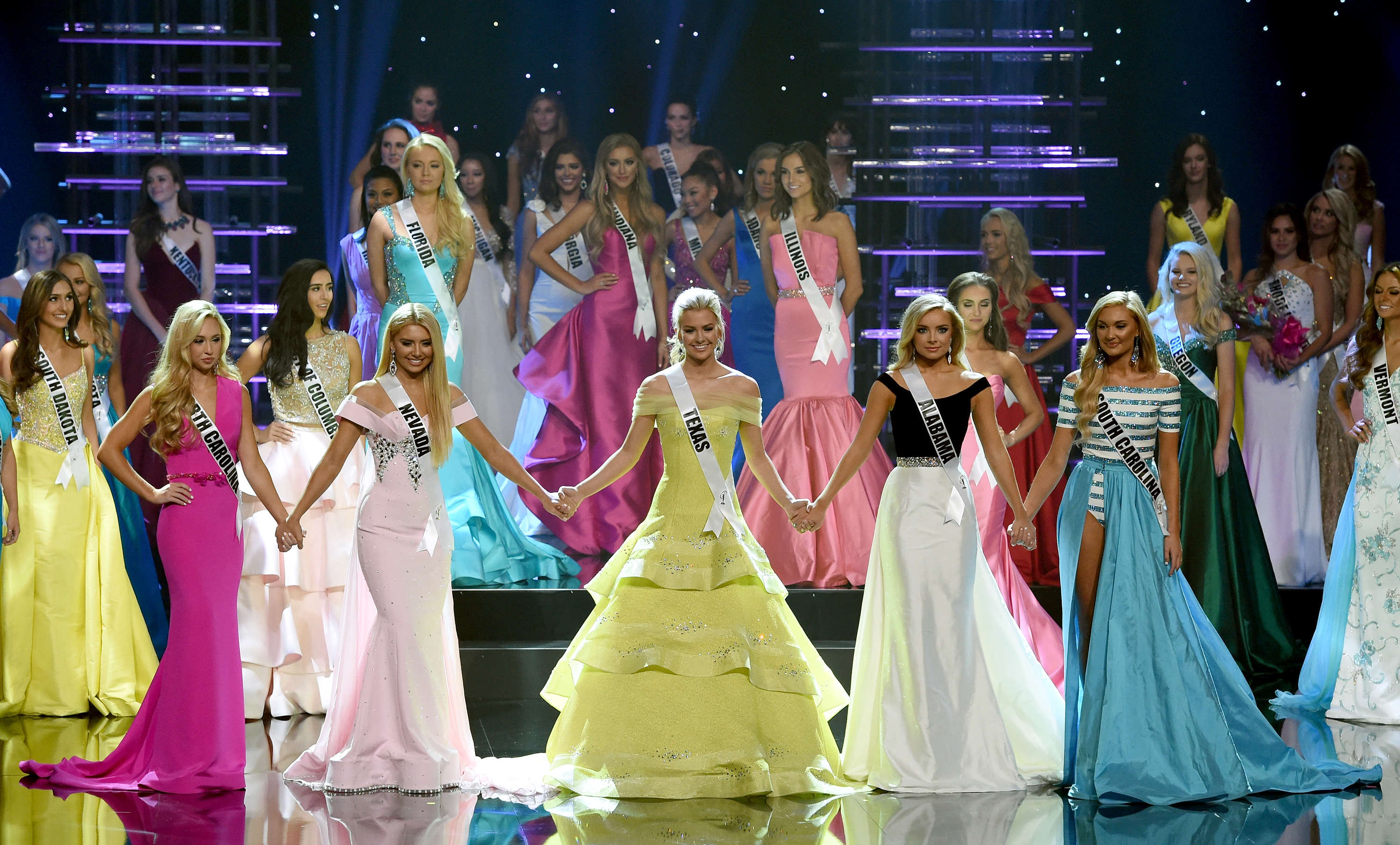 GettyImages 584828940 Beauty Pageant Mocked For Ridiculously Similar Looking Finalists