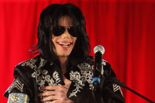 GettyImages 85259926 640x426 Michael Jacksons Doctor Makes Serious Allegations About Stars Family