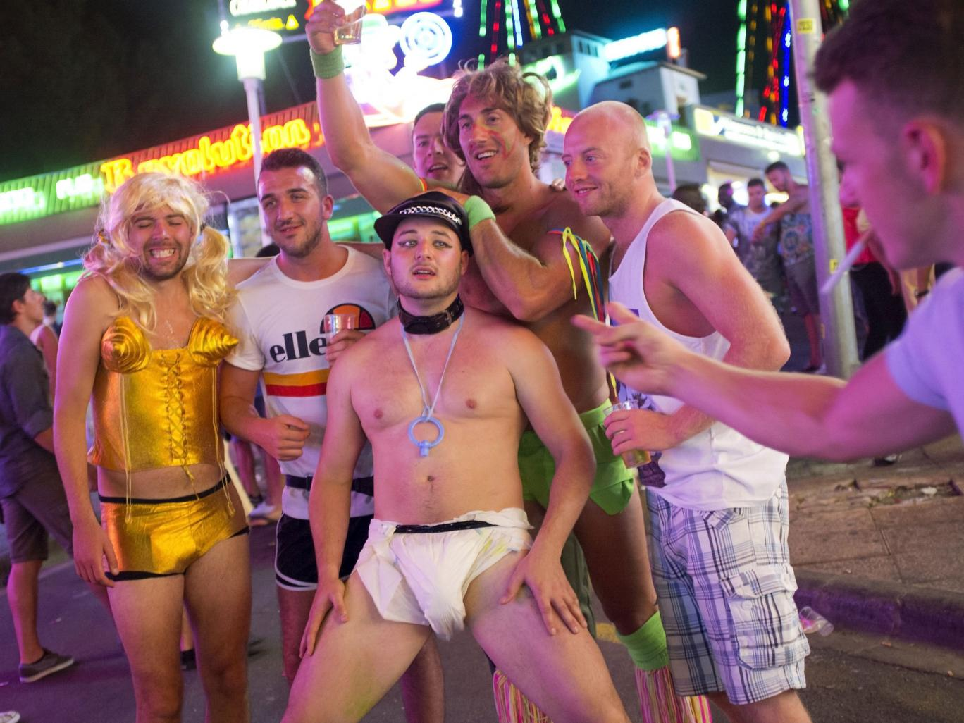 Magaluf 11 Brits Caught In X Rated Magaluf Paint Party