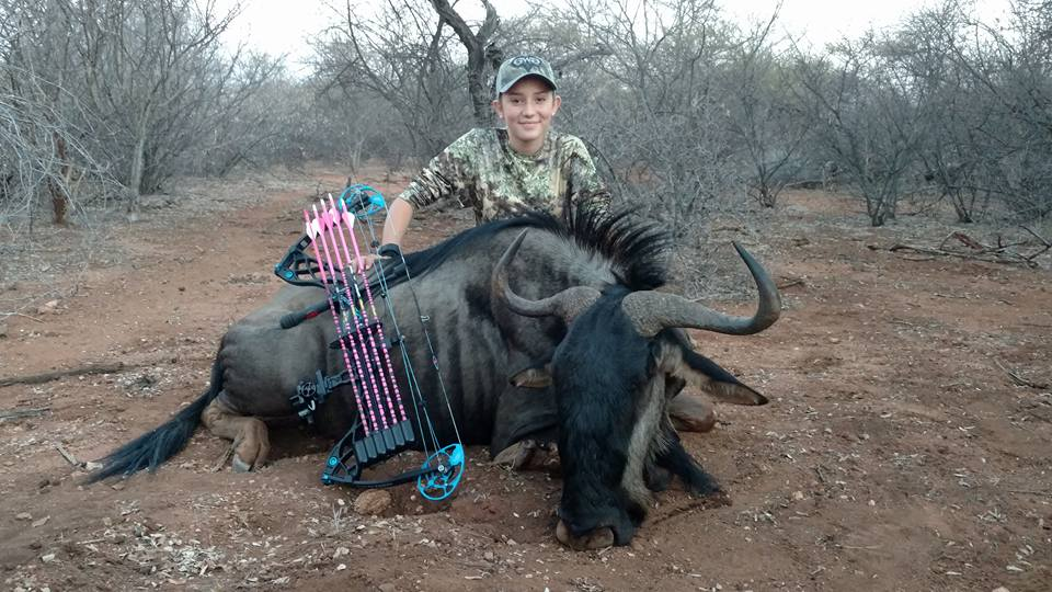 giraffe5 12 Year Old Hunter Receives Death Threats Over Her Gruesome Photos