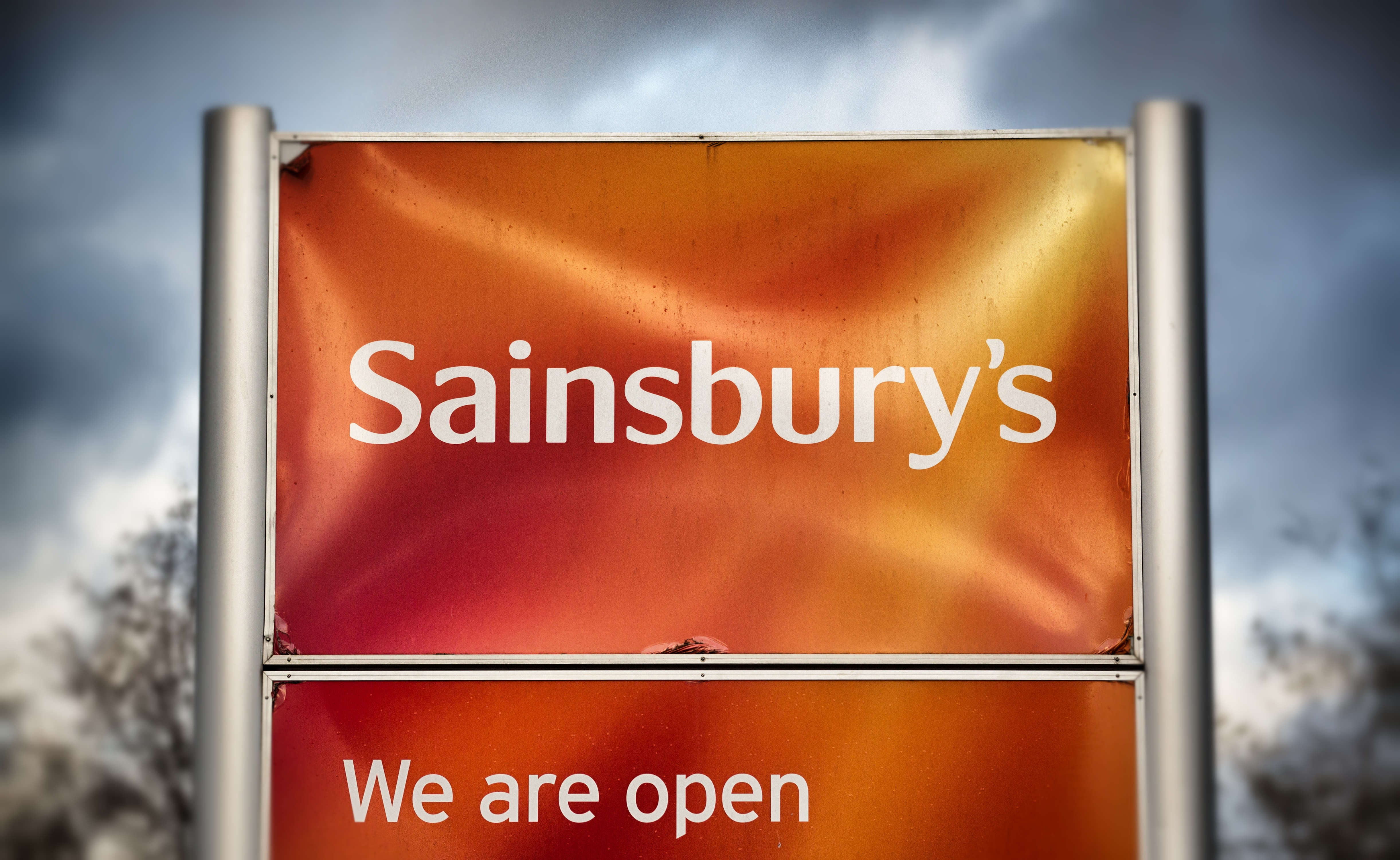 sains1 Gay Couple Kicked Out Of Sainsburys For Unbelievable Reason
