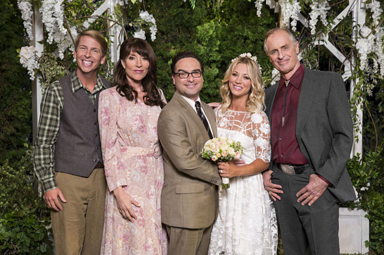 BigBangWedding We Finally Meet Pennys Mum At The Big Bang Theory Wedding