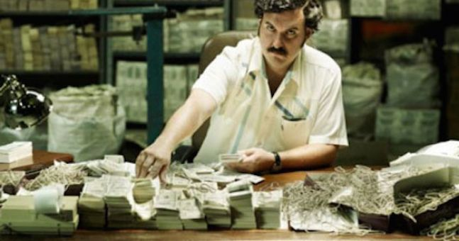 pablo1 Heres How Much Pablo Escobar Spent On Elastic Bands For His Cash