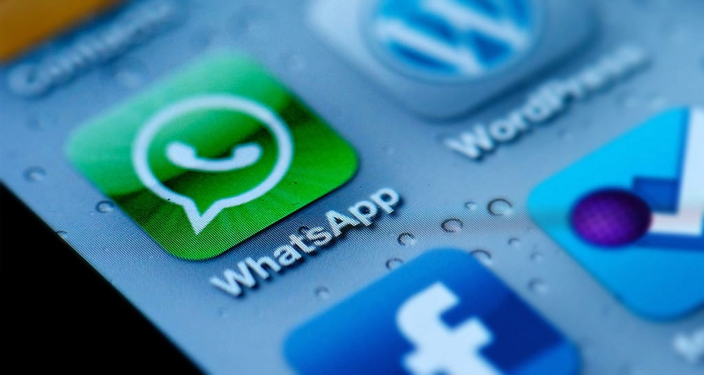 Whatsapp Has Some New Features And They Look Suspiciously Like Snapchat 18253UNILAD imageoptim Whatsapp2