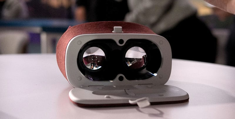 Google Announces New Virtual Reality Headset And More 19508UNILAD imageoptim FacebookThumbnailgoogle