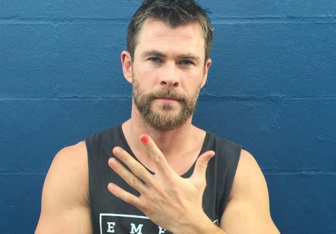 2129UNILAD imageoptim Polished Man WEB This Is Why Actors Are Painting Their Nails In Solidarity For A Social Campaign