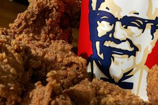 Woman Sues KFC for £16 Million Because Bucket Wasn't Filled To The Top