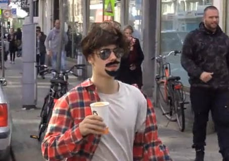 Can You Tell Who The Celebrity Is Behind This Sh*t Disguise? 29361UNILAD imageoptim bieber11