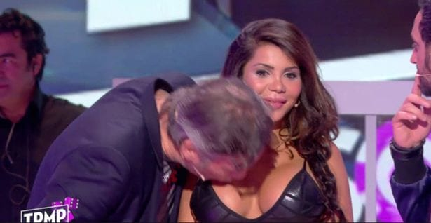 Kim Kardashian Lookalike Shocked After Man Kisses Her Breasts On Live TV 33167UNILAD imageoptim Kim Kardashian lookalike humiliated as TV mock up robbery 1
