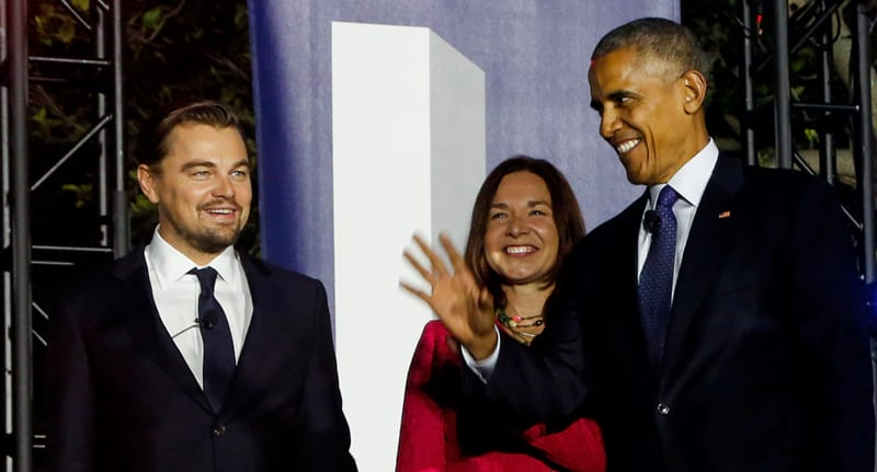 Obama Had A Brilliant Response To DiCaprios Plans To Move To Mars 36942UNILAD imageoptim BarackandLeo