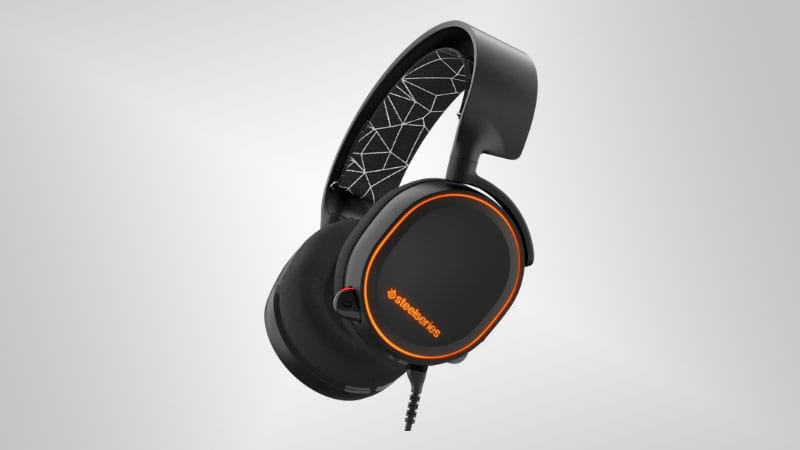 43777UNILAD imageoptim Arctis 5 SteelSeries Launches Stylish New Arctis Headset Line