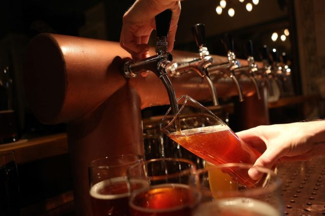 50018UNILAD imageoptim GettyImages 187774436 640x426 Heres How Long It Would Take To Go On A Pub Crawl Across The UK