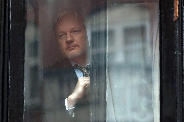 wsi imageoptim GettyImages 508571834 640x426 Leaked Emails Show How Hillary Clinton Considered Assassinating Julian Assange