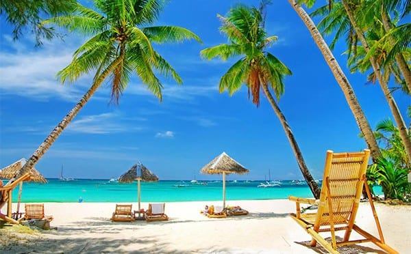 wsi imageoptim tropical beach chairs 600x372 This Awesome Boss Pays His Employees To Go On Vacation