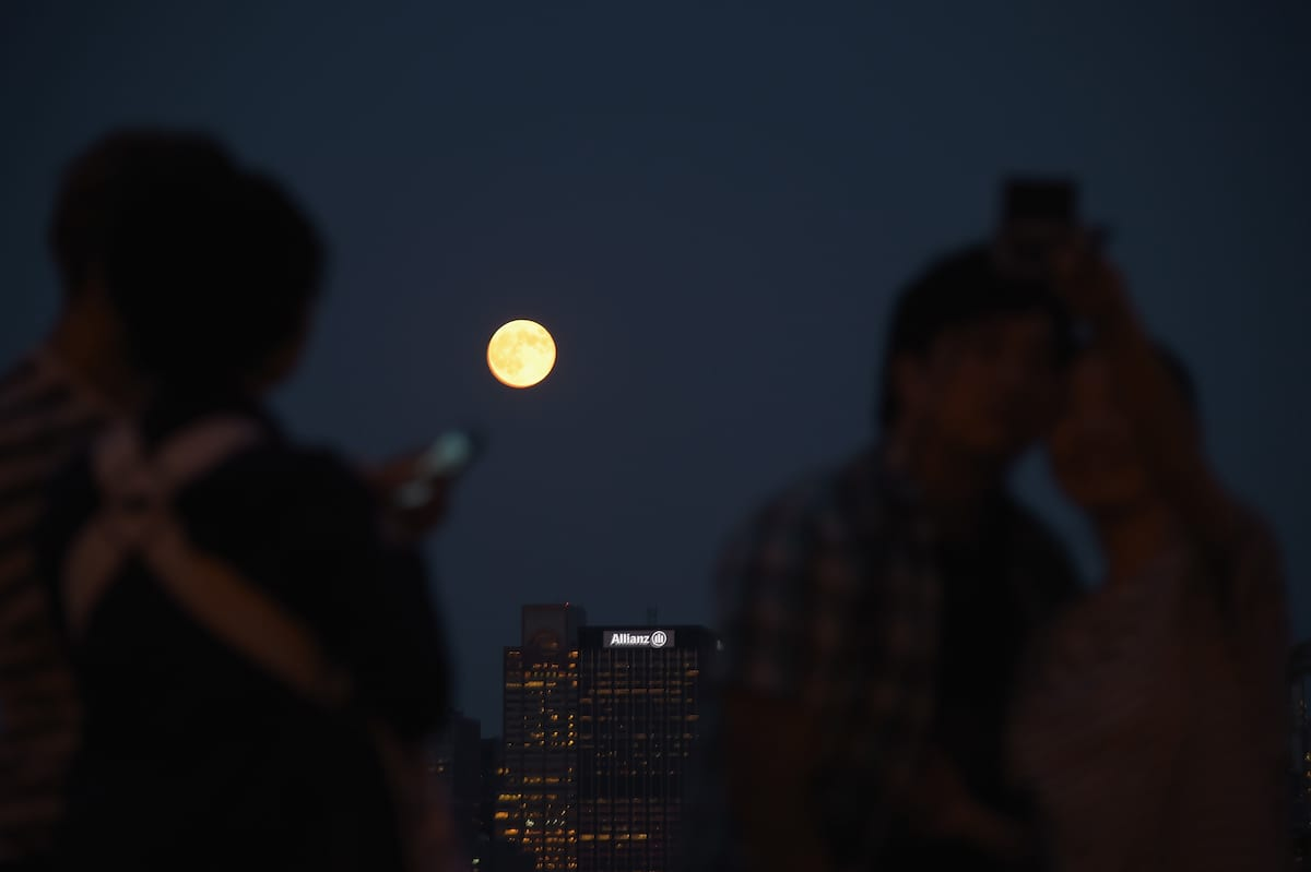 17466UNILAD imageoptim GettyImages 453461496 How To Photograph Tonights Supermoon So It Doesnt Look Crap