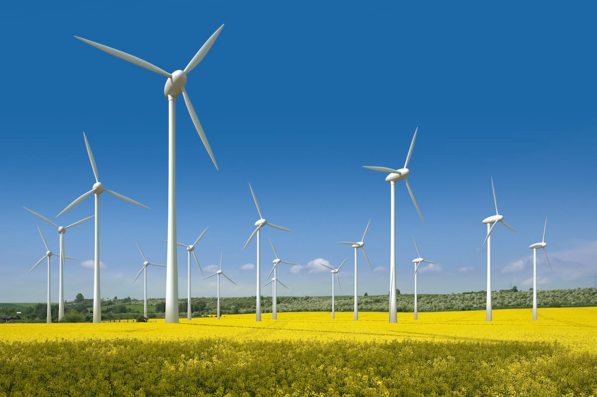 20340UNILAD imageoptim wind turbines Britain Just Ran On Only Renewable Energy For Almost A Week