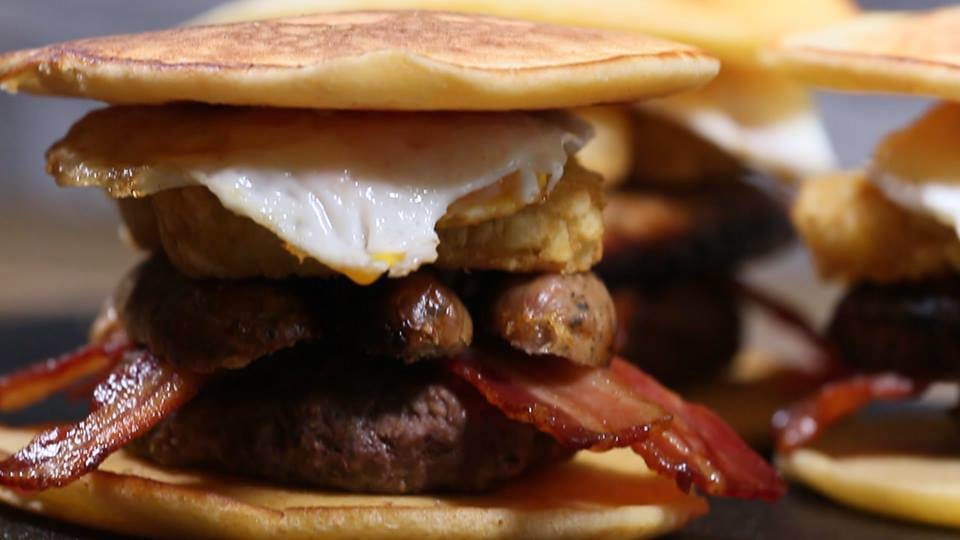 2961UNILAD imageoptim 15281115 10157836957520230 812650171 n Heres How To Make Full English Pancake Burger