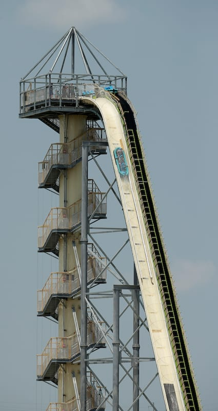 32904UNILAD imageoptim PA 20354923 Worlds Tallest Waterslide To Be Demolished After 10 Year Old Was Decapitated