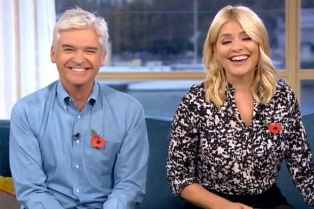 40120UNILAD imageoptim holly1 An Expert Taught Holly Willoughby How To Orgasm On This Morning