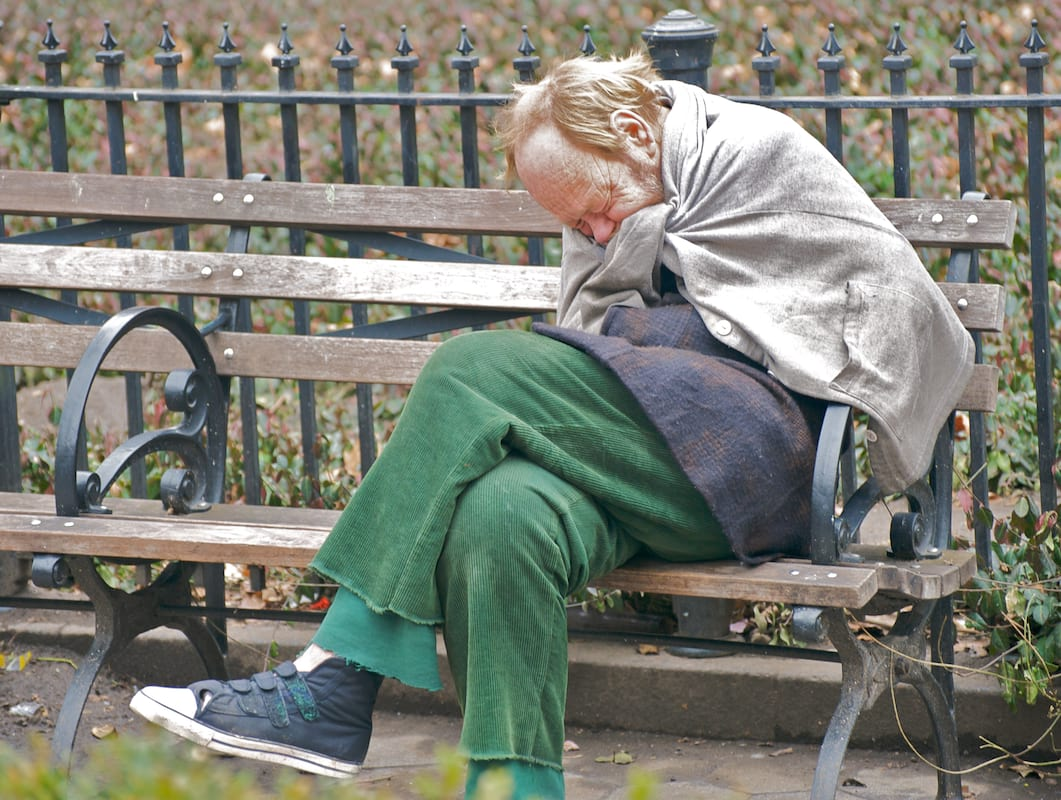 51407UNILAD imageoptim Homeless and cold What To Do If You See Someone Sleeping Rough In The Cold