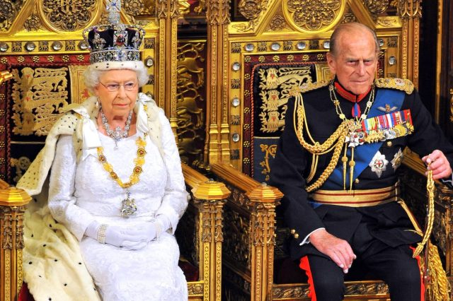 15850UNILAD imageoptim GettyImages 495538417 640x426 The Queens Illness Mystery Deepens As Buckingham Palace Refuse To Comment