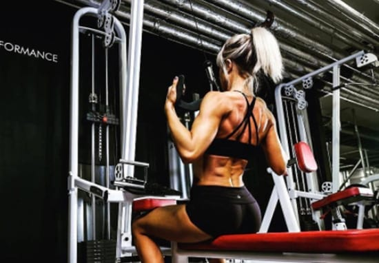 Experts Explain How To Stick To Your New Year Fitness Resolution 5859UNILAD imageoptim Resolution1