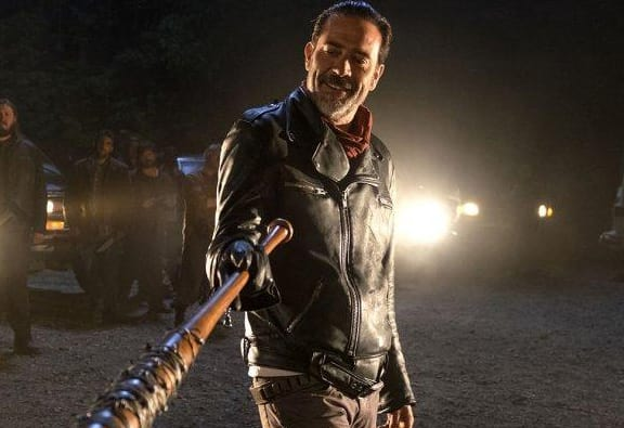 Jeffrey Dean Morgan Responds To Racist Walking Dead T-Shirt Controversy