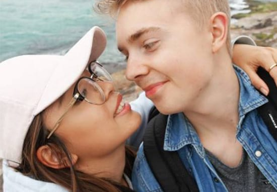 Teenagers Fall In Love And Travel The World After A Single Tweet