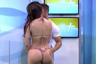 Bikini Model Slaps Presenter Who Groped Her Twice On TV