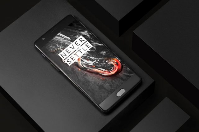 Limited Edition OnePlus 3T Midnight Black In Pictures