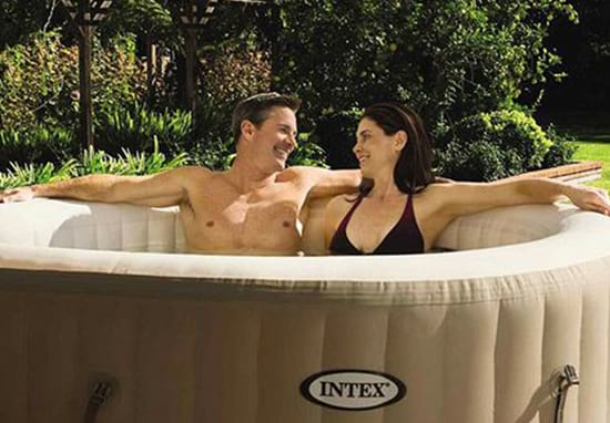 Aldi Is Selling A Budget Hot Tub And It's Amazing